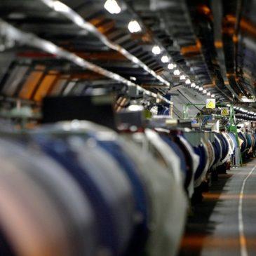 Η Ελληνική ομάδα στο πείραμα του CERN.