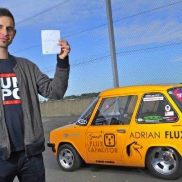 Πως το 40χρονο ηλεκτρικό αυτοκίνητο της Σύρου διέσυρε σε αγώνα ντράγκστερ το Tesla S P85!