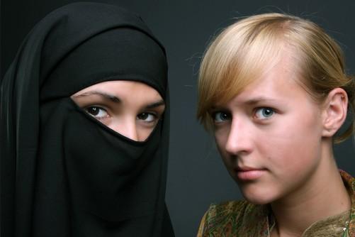 Γιατί οι Μουσουλμάνοι δεν μπορούν να ζήσουν αρμονικά  με τον υπόλοιπο κόσμο ?